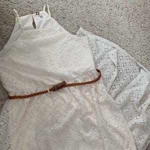 Maxi dress with brown belt